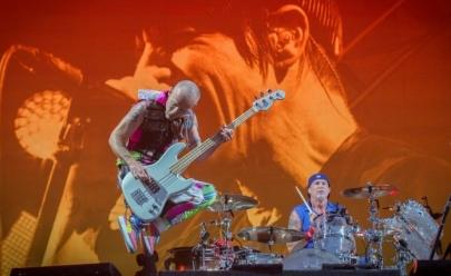 Red Hot Chili Peppers faz show em pirâmide do Egito