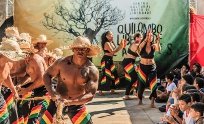 Espetáculo que circula por quilombos traz a história, a luta e a cultura negra brasileira como tema