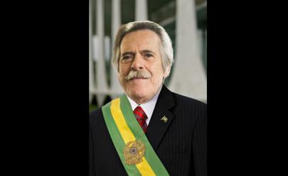 José de Abreu se autodeclara Presidente do Brasil e causa alvoroço nas redes sociais