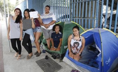 Beliebers acampam desde já para show de Justin Bieber que acontece em março de 2017