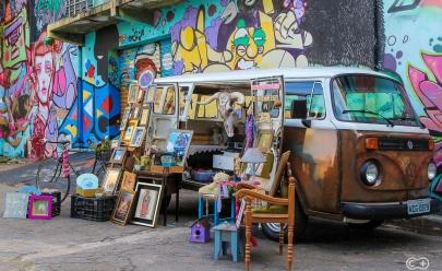 Descobrimos uma galeria de arte ambulante em forma de kombi em Goiânia