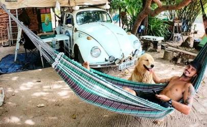 Jovem que viaja pela América do Sul com seu cachorro chega a Goiânia