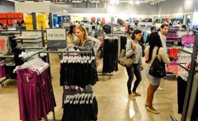 Outlet oferece descontos de até 80% em marcas de luxo para o Dia das Mães