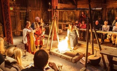 Festival com temática medieval traz banquete, torneio de arquearia e apresentações artísticas para Goiânia
