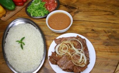 Simbora Restaurante 24 horas: o rei do bife acebolado e da galinhada em Goiânia