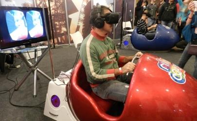 Simulador de montanha-russa promove diversão e adrenalina em shopping de Goiânia