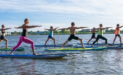 Modalidade que virou febre no Caribe, SUP Yoga pode ser praticada em Uberlândia