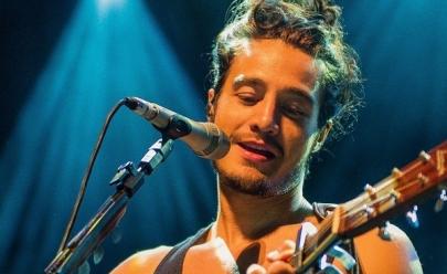 Tiago Iorc está de volta aos palcos e tem show marcado em Belo Horizonte