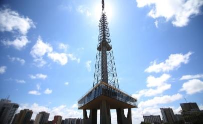 Natal Monumental: Torre de TV de Brasília será a maior árvore iluminada do país