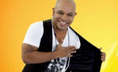 Ex-vocalista do grupo Terra Samba se apresenta em Goiânia junto com Marquinhos SP