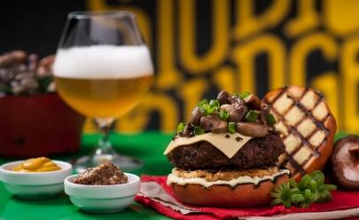 Studio Burger oferece dobradinha de chopp e petiscos para happy hour em Goiânia