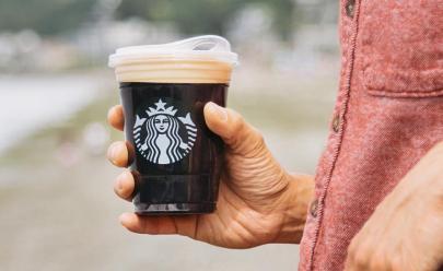 Starbucks deixará de usar canudos de plástico para reduzir poluição