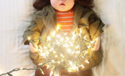 Mãe fotógrafa fantasia sua bebê enquanto ela dorme e a fofura conquista o Instagram