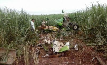 Avião agrícola cai em Santa Helena de Goiás