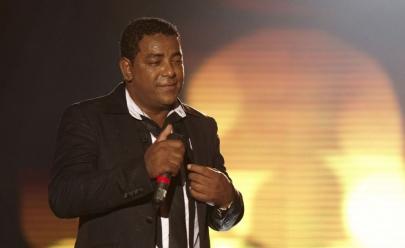 Em noite de gala, Raça Negra se apresenta em Brasília