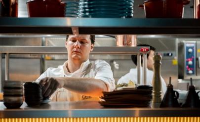 Chef Ian Baiocchi recebe o público 'em casa' no seu novo Chez Monino