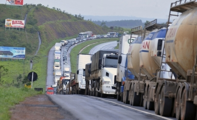 Caminhoneiros ameaçam nova greve no Brasil