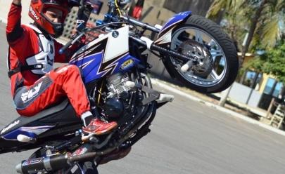 Apaixonados por adrenalina e velocidade podem curtir campeonatos de Motocross e Wheeling Freestyle  em Uberlândia