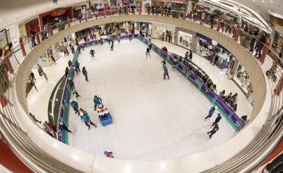 Pista de patinação no gelo em Brasília promete animar e divertir todas as idades