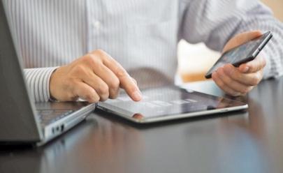 Deputado goiano propõe que estudantes e professores da rede pública comprem celulares e computadores sem imposto