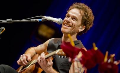 Nando Reis volta a Goiânia com seu show voz e violão