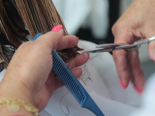 Senac-DF oferece serviços gratuitos de cabeleireiro e design de sobrancelhas em 4 unidades