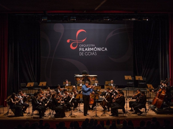 Filarmônica de Goiás apresenta concerto gratuito com o maestro holandês David Rabinovich