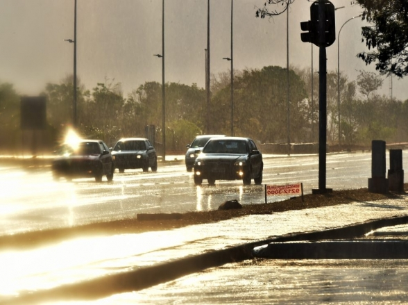 Previsão do tempo é de chuva até o fim do mês no Distrito Federal