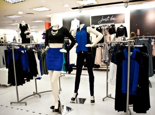 Renner faz promoção de roupas com mais de 70% de desconto na loja virtual