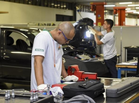 Senai do Distrito Federal abre mais de mil vagas para cursos profissionalizantes gratuitos
