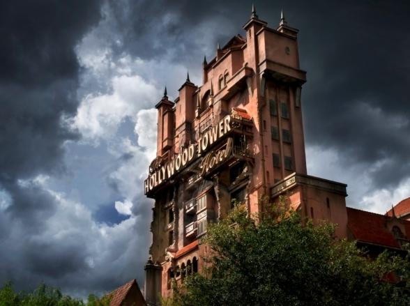 Turista é banida da Disney por dar soco em funcionaria