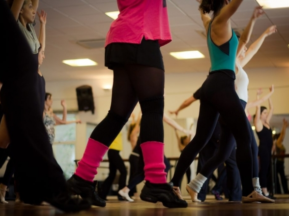 'Bora' dançar? Aulão especial de Fit Dance aberto ao público acontece em Uberlândia