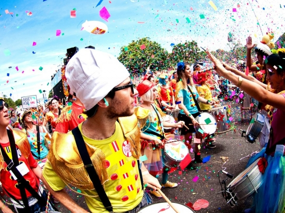 Confira os melhores blocos de carnaval para cair na folia em Belo Horizonte