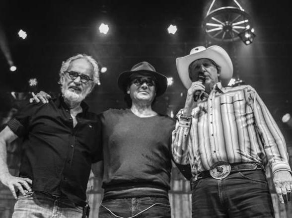 Almir Sater, Renato Teixeira e Sérgio Reis trazem o show 'Tocando em Frente' para Uberlândia
