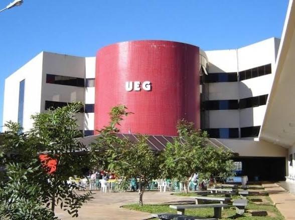 UEG abre processo seletivo para professores e intérpretes de Libras em Goiás