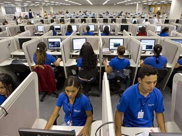 Empresa anuncia 100 vagas de emprego no Rio de Janeiro para área de telemarketing