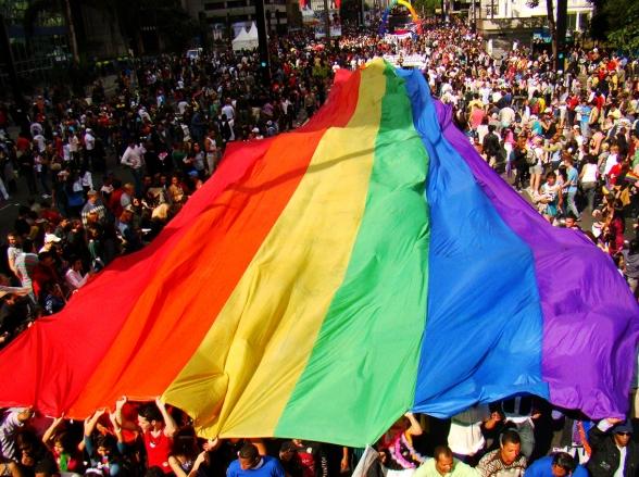 Anitta e Daniela Mercury serão atrações na 21ª Parada do Orgulho LGBT em São Paulo