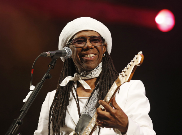 Fenômenos dos anos 70 e 80, Nile Rodgers e banda Chic se apresentam em Brasília