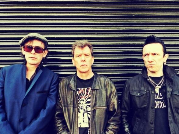 The Vibrators, lendários do punk rock inglês, se apresenta neste sábado (8) em SP
