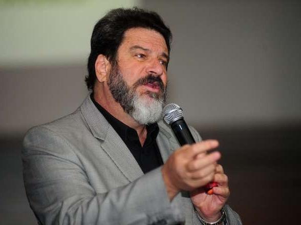 Uberaba recebe palestra do filósofo, escritor e professor, Mario Sergio Cortella