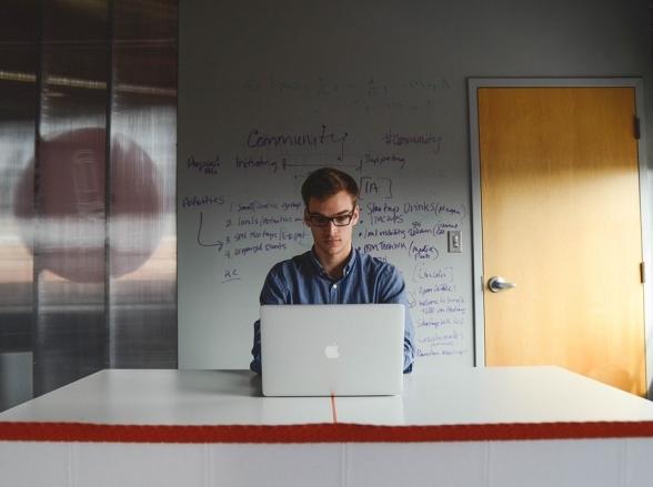 Programa da UEG oferece apoio para quem quer começar o próprio negócio