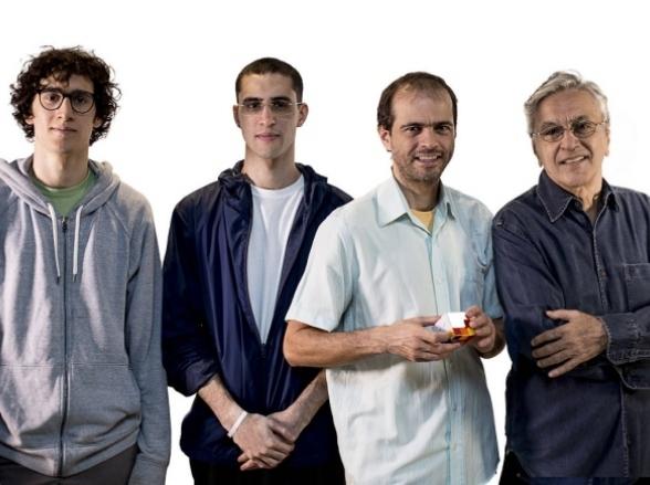 Caetano Veloso faz show inédito ao lado dos filhos em Belo Horizonte