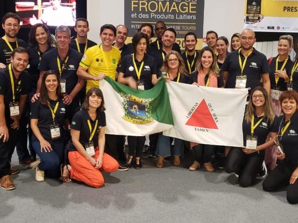 Produtores de queijo de Minas Gerais conquistam 50 medalhas em concurso mundial na França