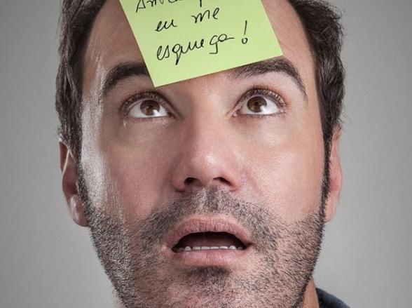 Diogo Portugal apresenta stand up 'Antes que Eu Me Esqueça' em Uberlândia