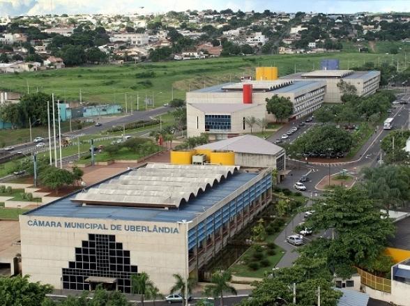 Prefeitura de Uberlândia lança edital de Concurso Público com mais de 1.700 vagas
