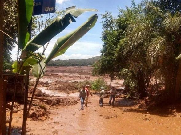 URGENTE: Barragem da Vale rompe e atinge casas em Minas Gerais