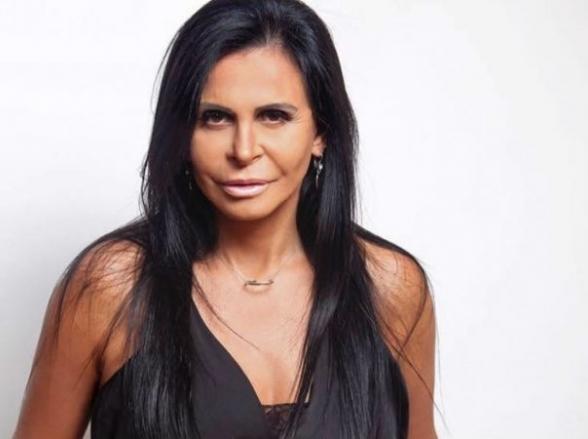 Gretchen faz pocket show em Brasília